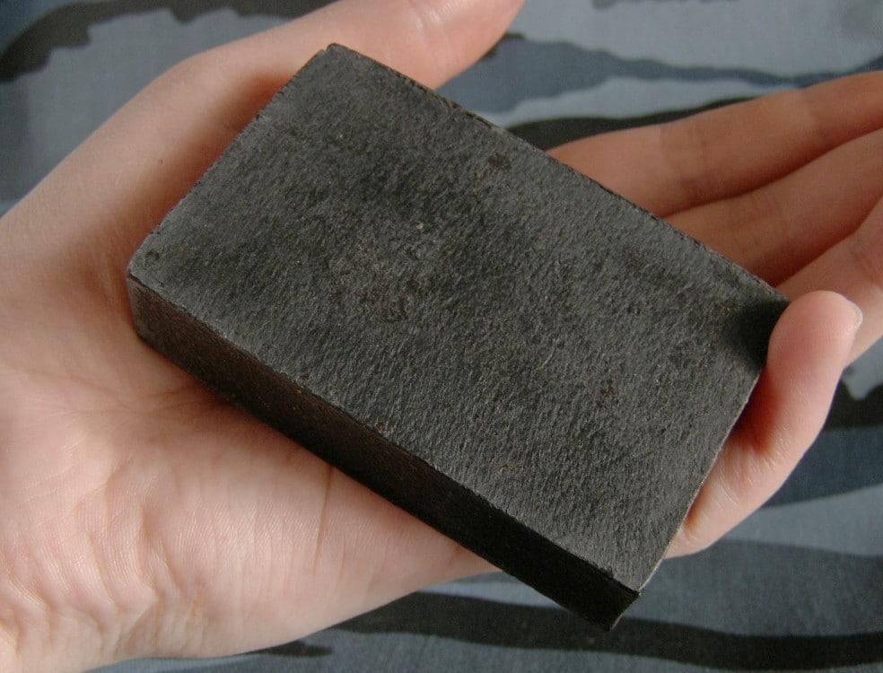 Правила использования дегтярного мыла от грибка: польза и преимущества средства