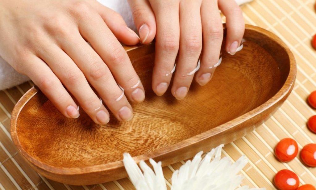 Подготовка ногтей к лечению алоэ