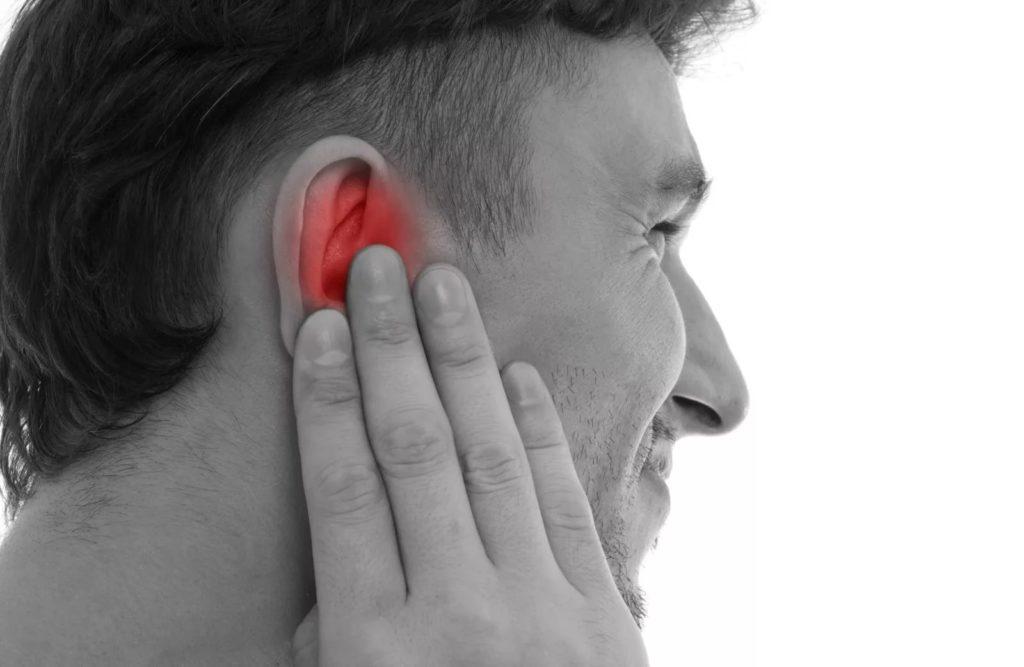 Грибок в ушах у человека: симптомы и лечение